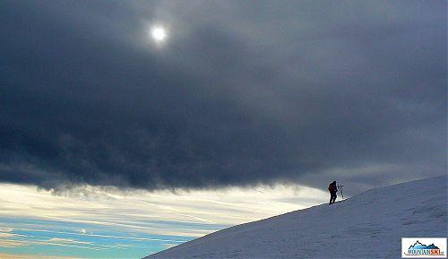 Ženoucí se mrak nad Hohe Veitsch