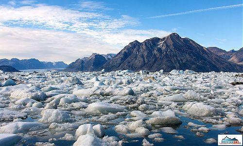Hory, led, voda a medvědi - to je Grónsko