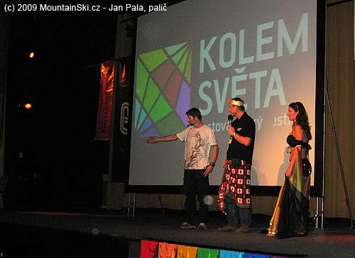 Lukáš Synek at introduction of presentation from Jemen