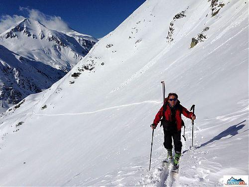 Výstup na lyžích G3 Synapse 109 s vázáním G3 ION v pohoří Pirin