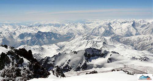 Pohled z vrcholu Kazbeku, byla to nádhera