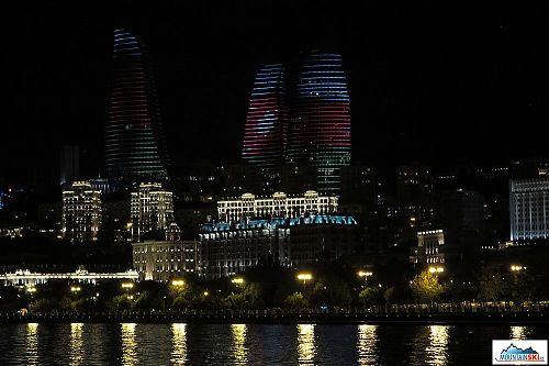 Baku v noci