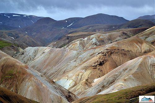 Kromě mechu se na zdejších horách neudrží žádná vegetace