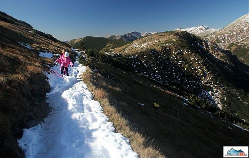 Zpět na východ k Čertovici ve sněhovém traverzu