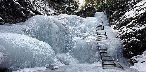 Jánošikové diery v zime, http://www.dobrodruh.sk/