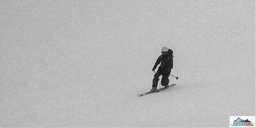 Telemark skiing in the fog on Mt. Shasta