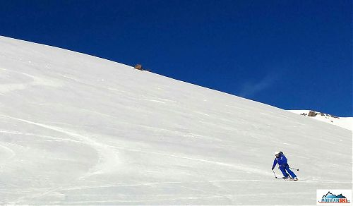 Telemark skiing on the slopes of Mt. Shasta