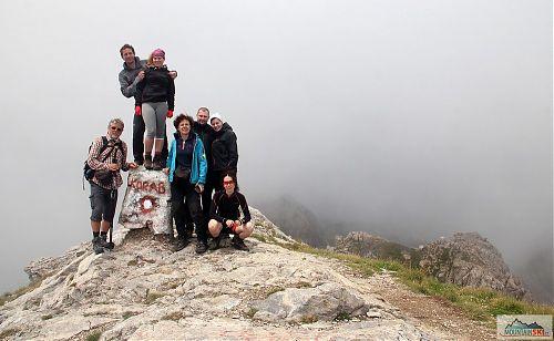 Skupina CK Alpina na vrcholu Golem Korabu