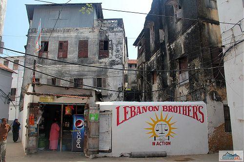 Libanonští bratří uprostřed Stone town