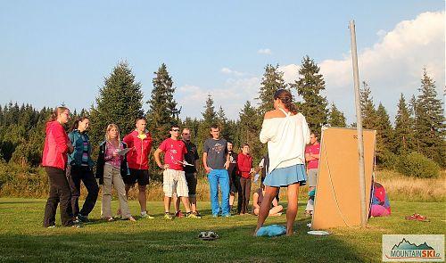 Počasí v Jizerských horách umožnilo, aby vše s výjimkou přednášek probíhalo ve venkovním prostředí