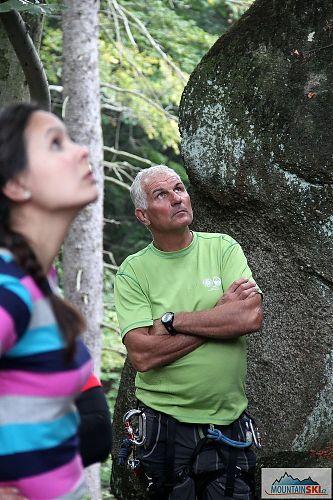 Horský vůdce Fagič dohlíží na skalní aktivity
