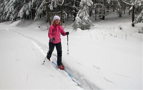 První lyžařka za mnou