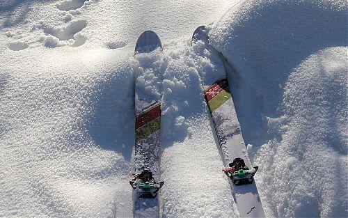 Sníh z hřebene na slovenskou stranu