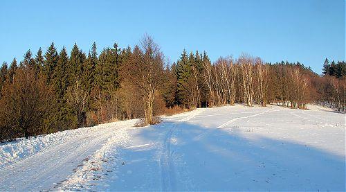 Prohrnutá polní cesta na hřebenu nad Jablůnkou, kdo to kdy viděl?