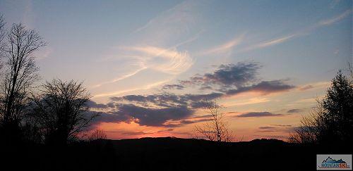 Krásný západ slunce mezi Kopřivnou a Baťkovou