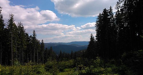 Výhled z hřebene Vsackých Beskyd směrem na východ
