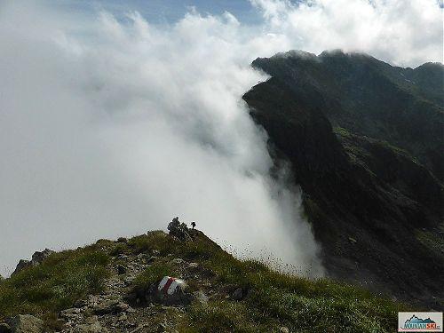 Serbota, aneb stezka v oblacích v úseku s řetězy, foto: Soňa Mravcová