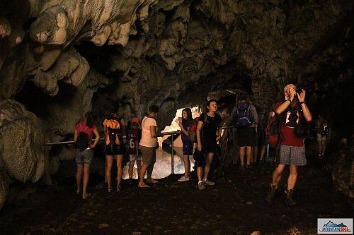 V kaňonu Matka stojí určitě za návštěvu jeskyně Vrelo