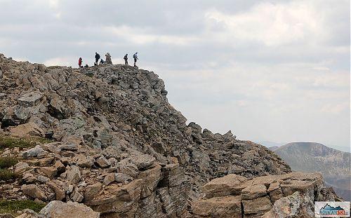 Na kamenolomu zvaném Bakardan (2704 m) cestou na Titov vrv