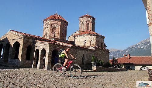 Cykloprůvodkyně ve svatém Naumu