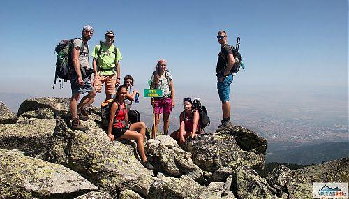 Stiv (2485 m) - odtud začíná nejzajímavější část Rocky trail do lyžařského střediska