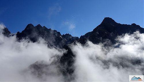 Hra mraků nad Pyšnými štíty a Čierným štítem