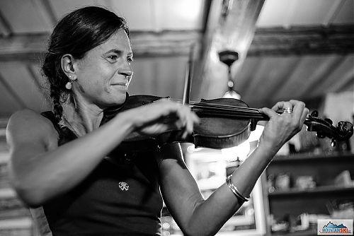 Kristina Höschlová tradičně excelovala na housle, foto: David Halata