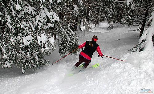 Dojezd k začátku traverzu v podání členky CK Alpina týmu