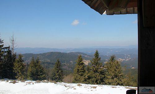 Výhled z rozhledny na Stratenci na Vsacké Beskydy