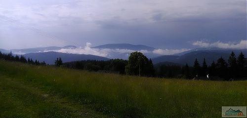 Vyhlídka z Bobku na druhý nejvyšší vrchol Beskyd - 1276 metrů vysoký Smrk