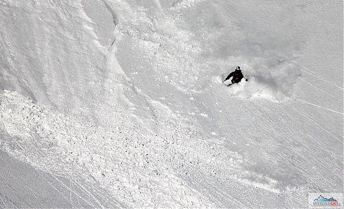 Bruder - když se hrnu se sněhem dolem kopcom
