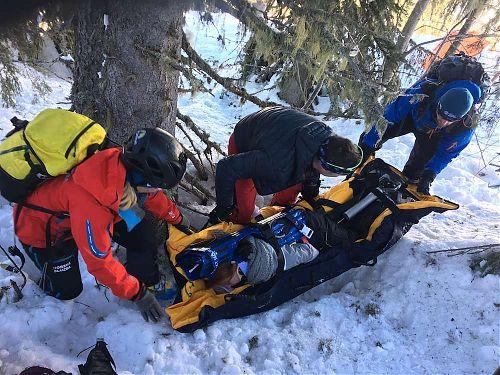 Nácvik zimní záchrany v rámci Kurzu horské medicíny