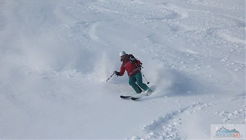 Doktorka Jitka na svých nových lyžích od Skialp nad Hrobem