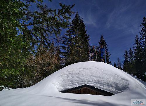 Výška as 1350 metrů ve Wildalpen - sněhu kupy