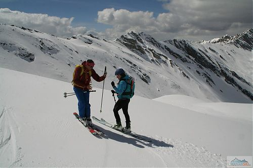 Nohy k sobě, hůlky zkrátit, kotníky pokrčit…aneb (p)oprava běžcova lyžařského stylu
