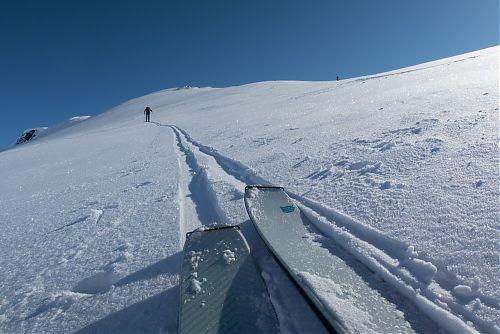 Testované lyže DOWN obstali na výbornú