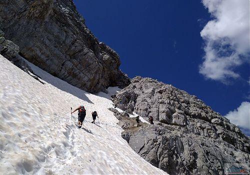 V červenci bývá na výstupovce ještě dost sněhu