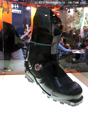 Prototype of extreme light weight shoes Crispi was behind glass