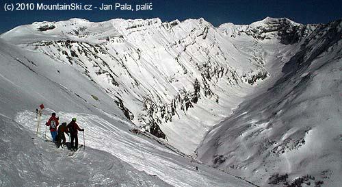 Odtud dolů, konec úvodního traverzu na Ski route 2